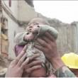 Nepal, neonato estratto vivo dalle macerie 82 ore dopo il terremoto FOTO 3