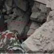 Nepal, neonato estratto vivo dalle macerie 82 ore dopo il terremoto FOTO 4