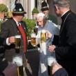 Joseph Ratzinger, birra e festa bavarese in Vaticano per gli 88 anni FOTO