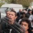 """Salvini: """"Vi rado al suolo"""". Gli immigrati non lo fanno entrare all'Hotel House5"""