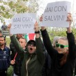 """Salvini: """"Vi rado al suolo"""". Gli immigrati non lo fanno entrare all'Hotel House4"""