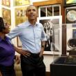 "Giamaica, Barack Obama visita museo Bob Marley: ""Ho tutti i suoi dischi03"