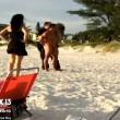 VIDEO YouTube - Sesso sulla spiaggia davanti ai bambini. Rischiano 15 anni di carcere 3
