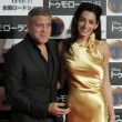 George Clooney e Amal Alamuddin in oro incantano i fan a Tokyo FOTO 5