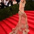 Beyoncè, Jennifer Lopez e Kim Kardashian: nude look a New York 07