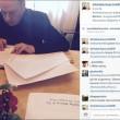 Silvio Berlusconi sbarca su Instagram con Dudù e Francesca Pascale FOTO