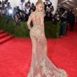 Beyoncè, Jennifer Lopez e Kim Kardashian: nude look a New York 02