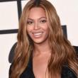 Miglior lavoro al mondo? Truccare le tette di Beyonce 13