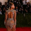 Miglior lavoro al mondo? Truccare le tette di Beyonce 4