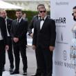 Cannes. Dita Von Teese, Eva Longoria, Gigi Hadid: sexy scollature evento Amfar020
