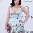 Cannes. Dita Von Teese, Eva Longoria, Gigi Hadid: sexy scollature evento Amfar024