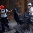 Filippine, rogo fabbrica infradito: più di 70 morti. Finestre erano sigilliate11