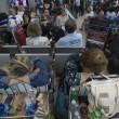 Fiumicino, incendio aeroporto: passeggeri dormono a terra6