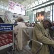 Fiumicino, incendio aeroporto: passeggeri dormono a terra17