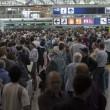 Fiumicino, incendio aeroporto: passeggeri dormono a terra05