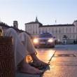Ragazzo vestito da Gesù si aggira per Torino: la polizia lo ferma 5 volte03