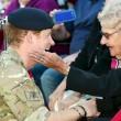 "Principe Harry in Australia, fan chiede: ""Sposami"". Lui la bacia FOTO 6"