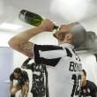 Juventus, festa scudetto nel centro di Torino e negli spogliatoi 09
