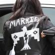 "Kim Kardashian e figlia Nori ""dark"": tutte e 2 indossano giacca pelle nera20"