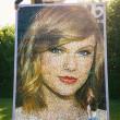 Taylor Swift, ritratto di 3 metri con 40mila mattoncini Lego FOTO 2