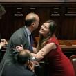 """Maria Elena Boschi """"Madonna delle Riforme"""": la più baciata dai parlamentari"""