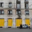"""""""Nessuno tocchi Milano"""": in migliaia a ripulire muri e scritte dei black bloc 13"""