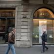 """""""Nessuno tocchi Milano"""": in migliaia a ripulire muri e scritte dei black bloc 22"""