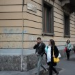 """""""Nessuno tocchi Milano"""": in migliaia a ripulire muri e scritte dei black bloc 21"""