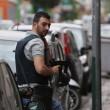 Napoli. Giulio Murolo si barrica in casa con fucile a pompa e spara07
