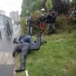 VIEDO YouTube No Expo black bloc. Agente in fiamme FOTO simbolo 1 maggio Milano5