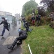 VIEDO YouTube No Expo black bloc. Agente in fiamme FOTO simbolo 1 maggio Milano4