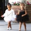 North e Penelope, figlie di Kim e Kourtney Kardashian a danza insieme190