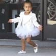 North e Penelope, figlie di Kim e Kourtney Kardashian a danza insieme07