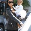North e Penelope, figlie di Kim e Kourtney Kardashian a danza insieme06