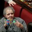 Italicum, deputati Pd usano palline per i gatti per bloccare tasto del voto FOTO 9