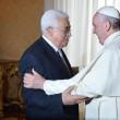 "Papa Francesco abbraccia Abu Mazen: ""Lei sia angelo della pace""01"
