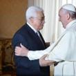"Papa Francesco abbraccia Abu Mazen: ""Lei sia angelo della pace""03"