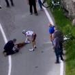 VIDEO YouTube, Domenico Pozzovivo cade sbattendo testa a terra al Giro d'Italia 04
