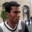 Firenze, turista cade Arno: marocchino si tuffa per salvarlo 02