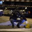 Roma. Donna morta, 7 feriti da auto con 3 rom che forza posto di blocco 06