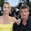 Cannes, Sean Penn e Charlize Theron mano nella mano sul red carpet19