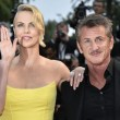 Cannes, Sean Penn e Charlize Theron mano nella mano sul red carpet20
