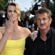 Cannes, Sean Penn e Charlize Theron mano nella mano sul red carpet21