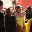 Cannes, Sean Penn e Charlize Theron mano nella mano sul red carpet05
