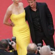 Cannes, Sean Penn e Charlize Theron mano nella mano sul red carpet09