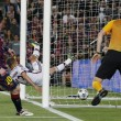VIDEO YouTube. Messi, gol a cucchiaio in Barcellona-Bayern: Boateng-Neuer a terra 05