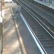 passa con bici su banchina ferroviaria4