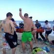 Oak Island, attaccati da squalo: due ragazzini perdono un braccio 02