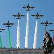 Sergio Mattarella al Vittoriano, omaggio al Milite Ignoto. Al via celebrazioni 2 giugno