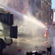 Turchia: idranti e proiettili di gomma, polizia contro gay pride